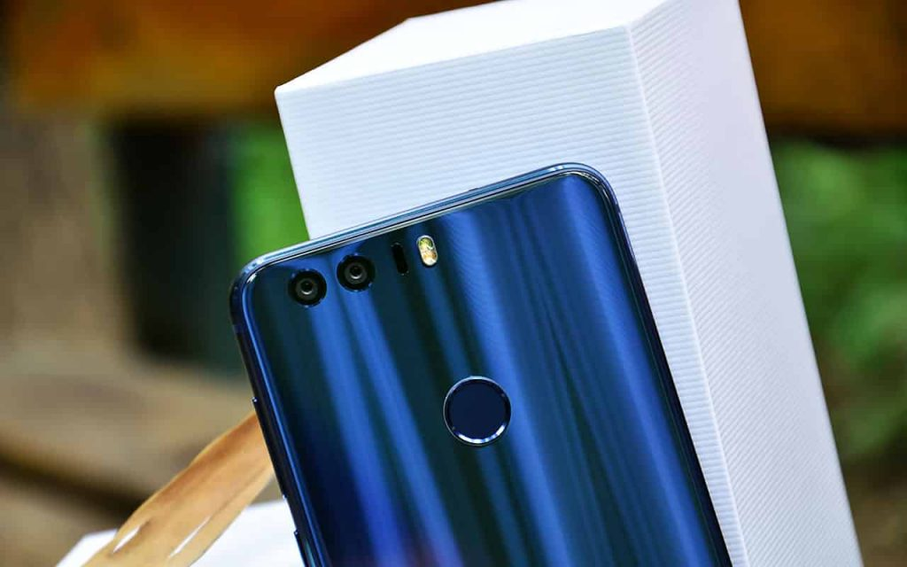 Honor 8 unbox 9 1024x640 - Huawei Honor 8 Unboxing, Camera Shots and Benchmark Score