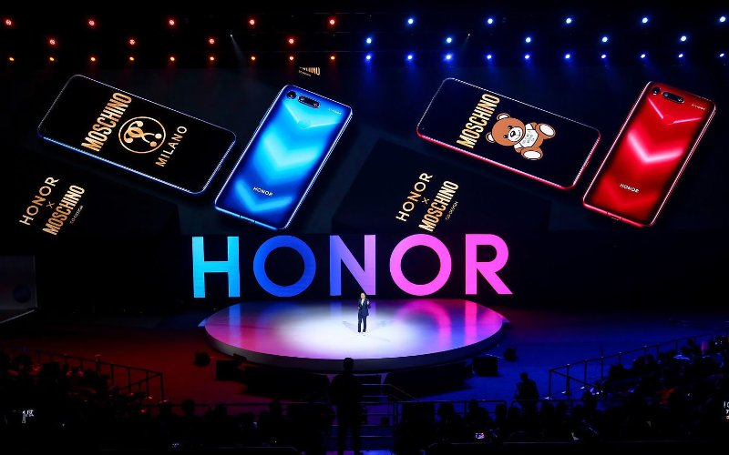 Honor V20 Moschino Edition Stock Wallpapers 1
